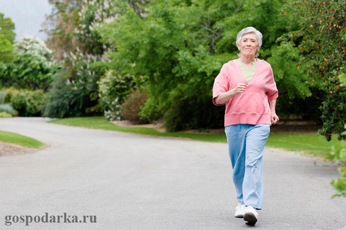 Какие физические упражнения полезны для пожилых людей?