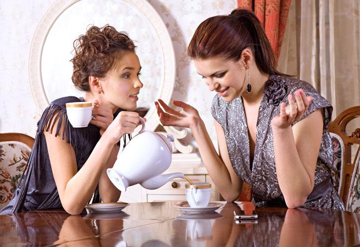 подруги-пьют-чай