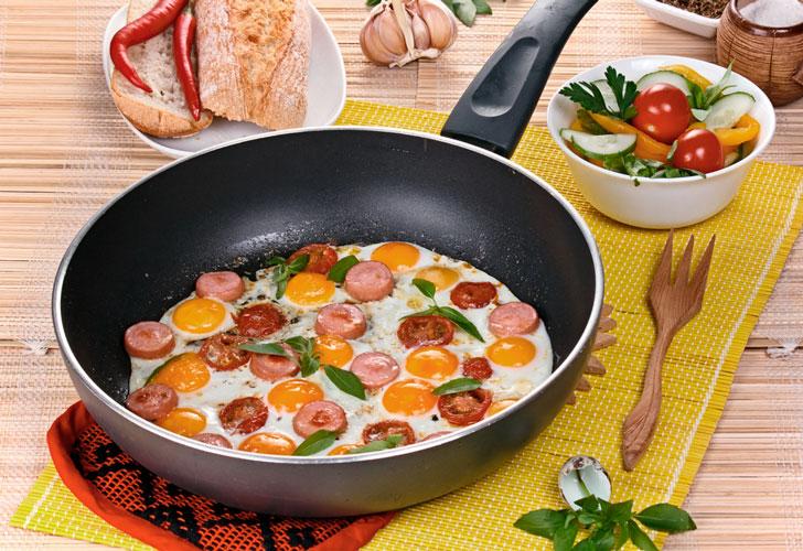 яичница-с-колбасой