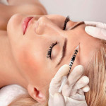 Омоложение лица: популярные инъекционные и аппаратные методики