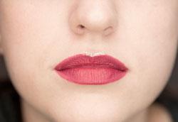 5 способов со вкусом использовать блеск в макияже