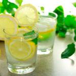 Действительно ли вода с лимоном помогает худеть?