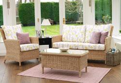 Как обновить мебель из ротанга?