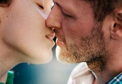 9 веских причин чаще целоваться