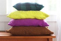Как превратить старые свитера в декоративные подушки?