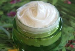 Как сделать крем на базе натуральных косметических сливок?