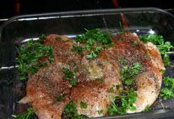 Как запечь куриные грудки в духовке: самый простой рецепт