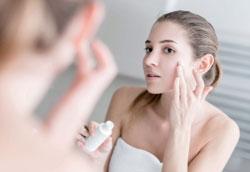 Как отбелить кожу лица естественным путём?
