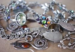Как почистить серебро в домашних условиях?