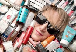 Как заработать на своём увлечении косметикой?