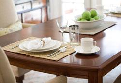 Как выбрать кухонный стол: практичные советы