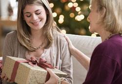 Как правильно выбирать подарки своим близким?