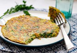 Вегетарианская фриттата со свежей зеленью и цуккини