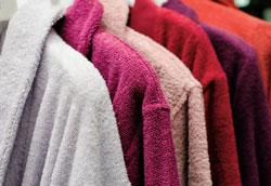 Как покрасить халат: самый простой способ