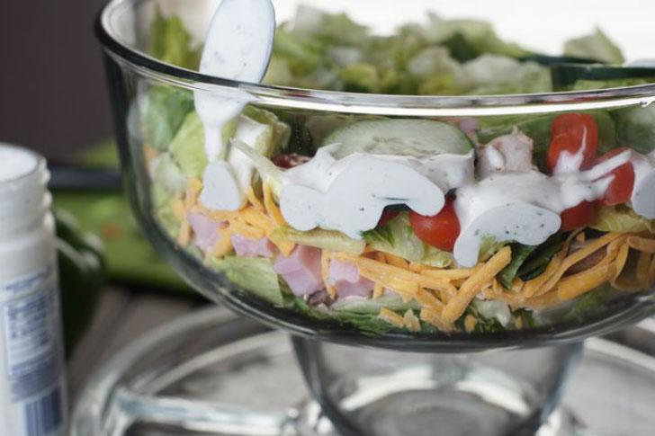 майонез в слоеном салате