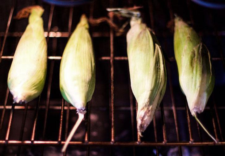 кукуруза запекается