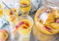 Простой рецепт персиковой Сангрии