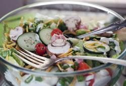 Простой рецепт вкусного слоеного салата