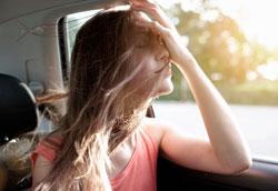 5 способов избавить волосы от неприятного запаха