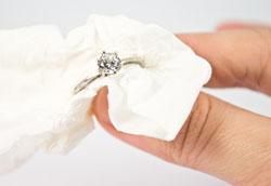 Как очистить украшения из стерлингового серебра?