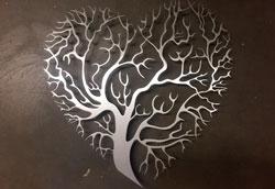 Как металлизировать настенные предметы декора?