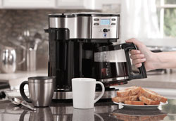 Как пользоваться капельной кофемашиной?