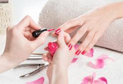 Основные преимущества современных лаков для ногтей