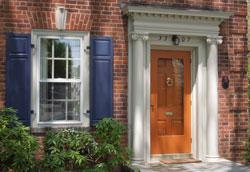 Что такое штормовые двери?